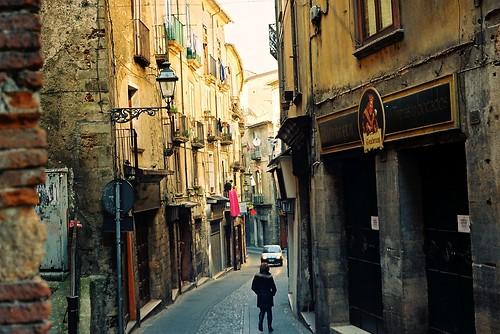 street italien view gegenlicht gasse cosenza
