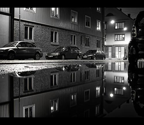 reflection night dark olympus explore majorna frankoz explored e410 olympuse410 olympuszuikodigital2528 bewareofthedarkside