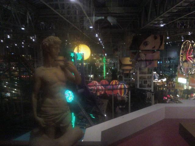 Minnesota Trip - Octavius Visits Mall Of America