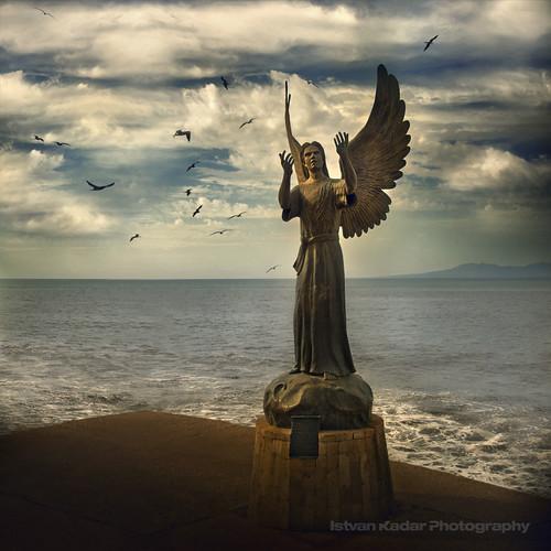 ocean sea angel mexico puertovallarta sculptor atqueartificia angeldelaesperanza