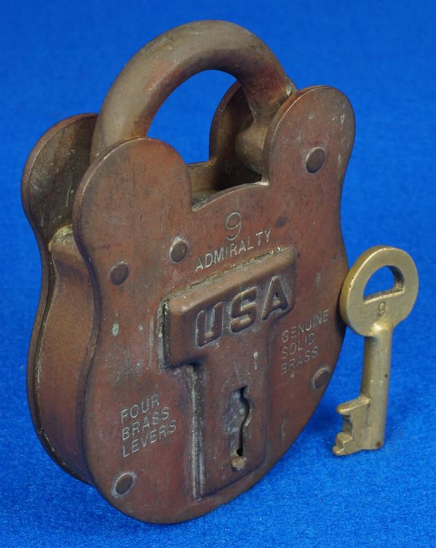 RD15222 Admiralty 4 Lock USA 4 Brass Levers DBC Lock Co LTD 004-02-01 Steampunk DSC08830