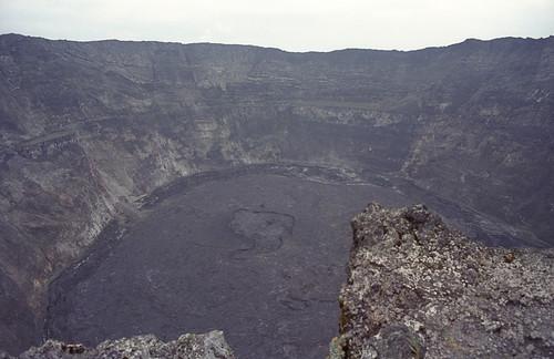 africa nature landscape volcano lava crater summit congo zaire stratovolcano nyiragongo virunganationalpark