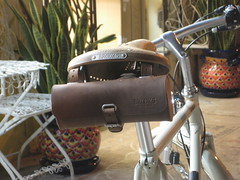 Brooks Aged B17 and bag on Achielle Retro at Flying Pigeon LA