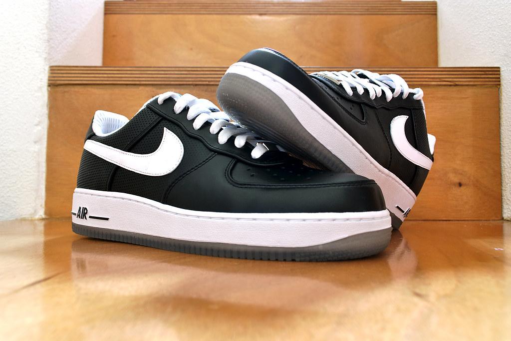 b2f73964178bf ... Nike Air Force 1 Low x Futura x NY Yankees Black White 002