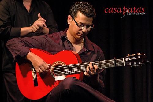 Todo el peso del toque recae sobre el estupendo guitarrista Juan Manuel Moneo. ¡Que se puede decir de los Moneo! Foto: Martín Guerrero