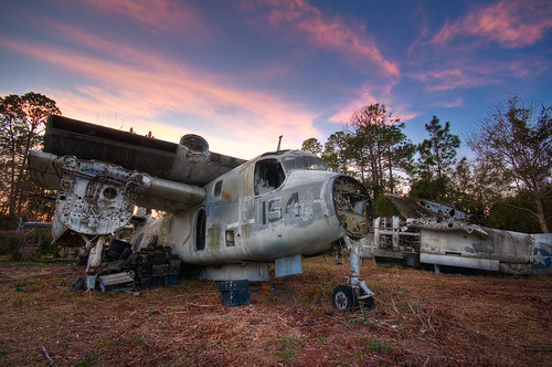 sunset sun rot abandoned broken rotting graveyard field st plane airplane golden nikon rust florida decay navy rusty abandon hour rusting fl rotten bomber naval setting augustine tracker hdr highdynamicrange hdri s2 grumman d300 cs4 photomatix reconnaissance s2c floridanikond300airplanegraveyardstaugustine sigma50th