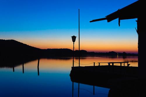 blue light sunset sky lake nature water germany landscape bayern deutschland bavaria see evening abend licht nikon wasser natur oberbayern himmel dämmerung blau 2010 countyside d90