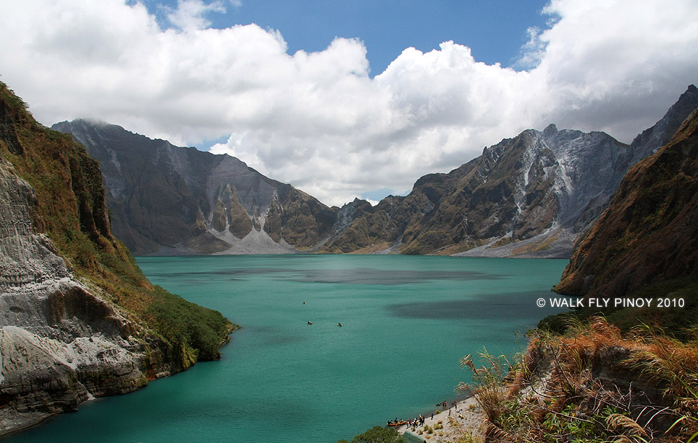 See more photos of Mount Pinatubo at WalkFlyPinoy.com