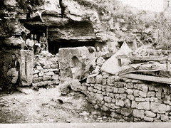 2éme bataille de la Marne - Contre-Offensive  de 1918 - les grottes de Mont Notre-Dame (photo VestPocket Kodak Marius Vasse 1891-1987)