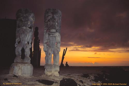 bigisland cityofrefuge gettyimages gods hawaii hawaiian meditation puuhonuaohonaunau refuge southpacific sunset tikis tropical tropicalisland