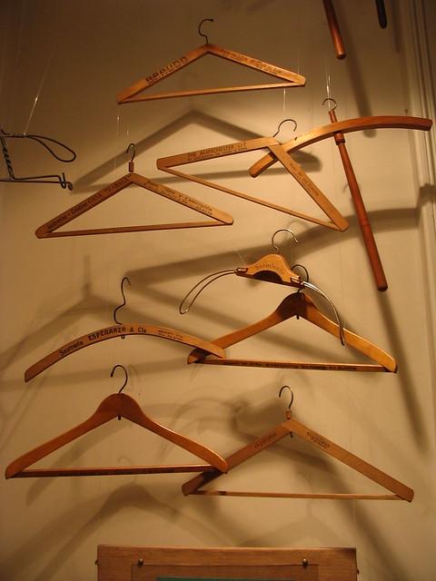 Ganchos para la ropa con publicidad explore juanjosaurio for Perchas con ganchos