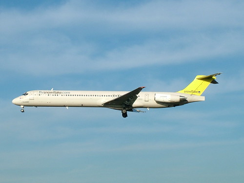 Snowflake MD-82 LN-ROS