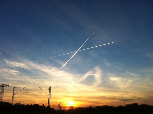 Was malen die hier eigentlich am Himmel rum?