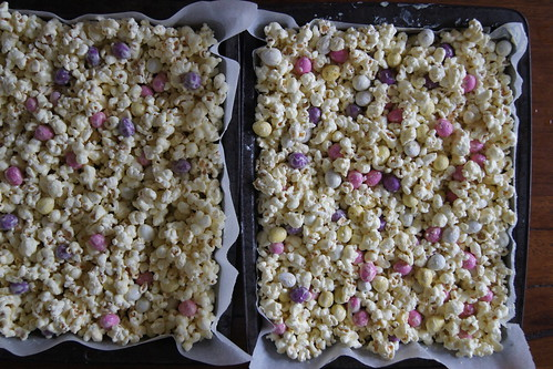 Easter popcorn DSC07097