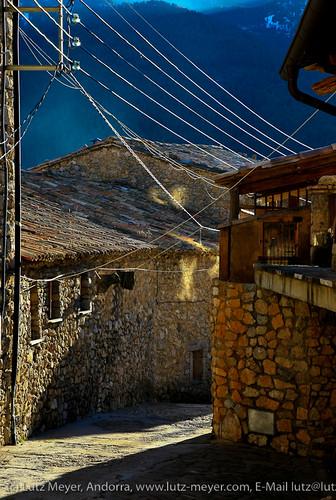 winter sunset reflection history abend spain dorf village pueblo january berge catalunya pyrenees muntanya spanien januar cadi pirineos pirineus gasse geschichte hivern espanya alturgell poble gener tuixent livingantic livingrural