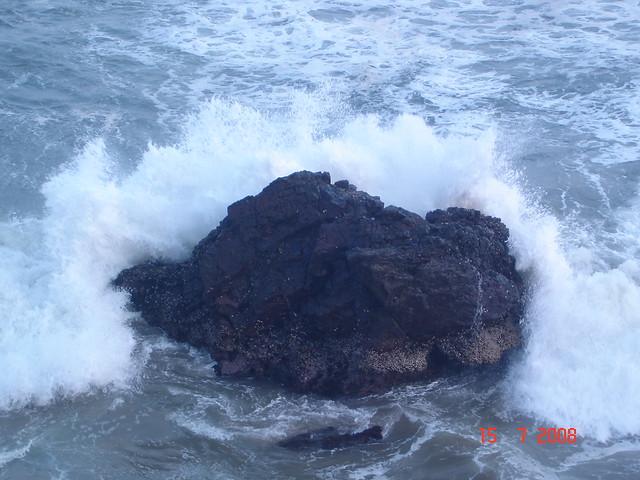 Crashing Waves, Tantad...