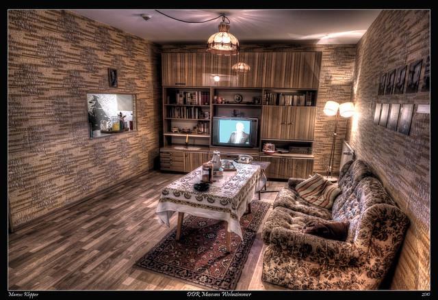 Ddr wohnzimmer hd home design inspiration und m bel ideen for Wohnzimmer 36 berlin