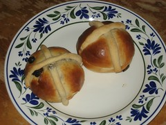 meal, breakfast, bread, baked goods, food, bread roll, dish, anpan, dessert, cuisine, brioche,