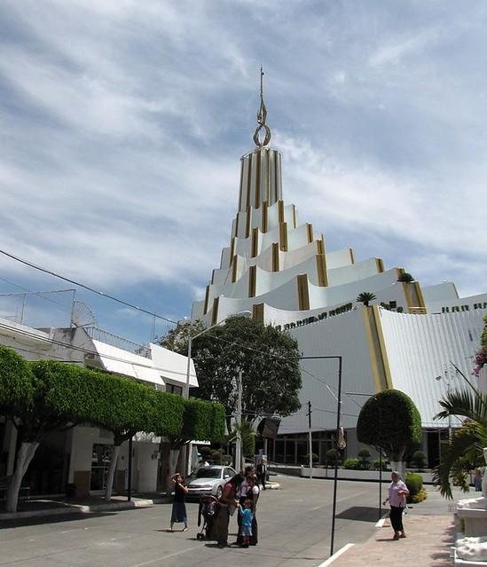 Hermosa Provincia Barrio Alrededor De La Iglesia La Luz