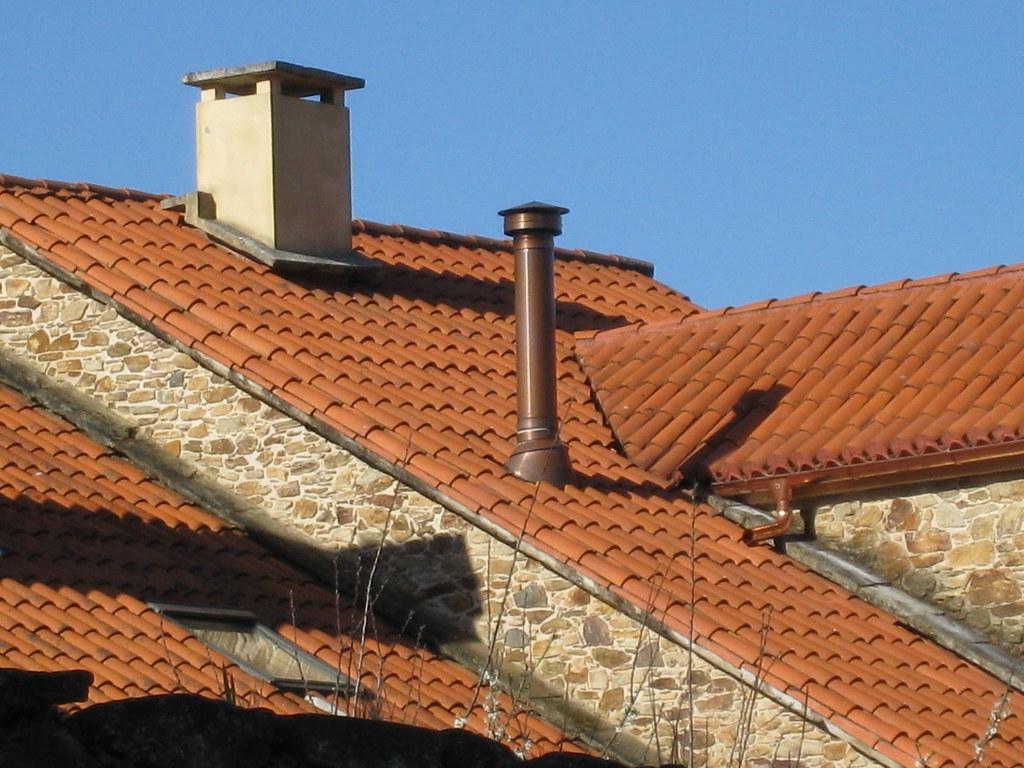 Salida de chimenea a tejado a photo on flickriver - Chimeneas lugo ...