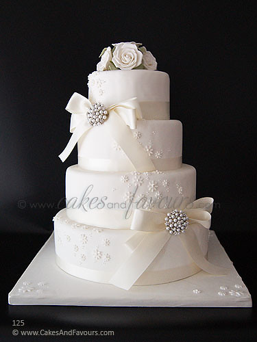 4 tier white wedding cake 5817765671 f98251222e jpg 10426
