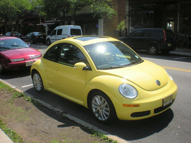 yellow 2008 volkswagen new beetle flickr photo sharing. Black Bedroom Furniture Sets. Home Design Ideas