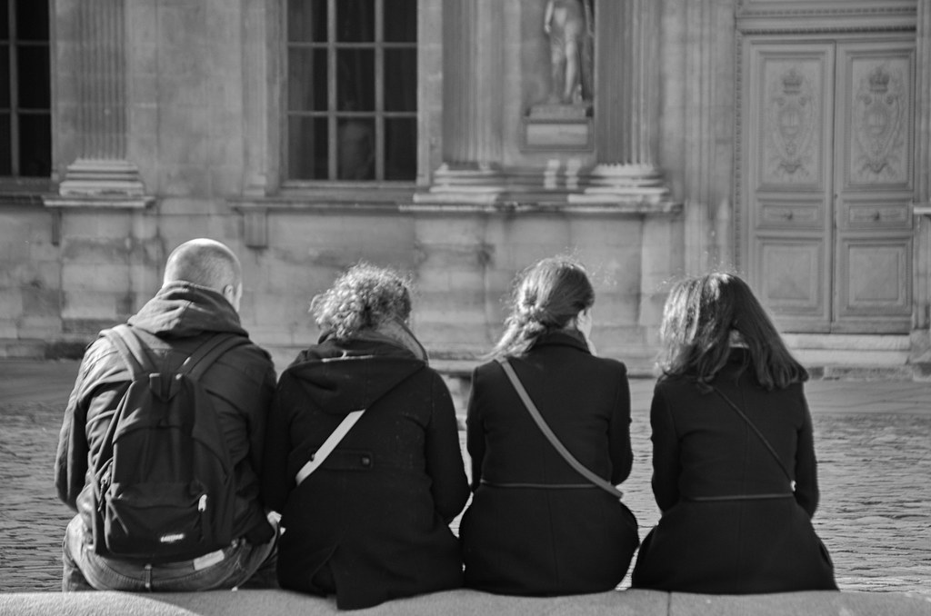 Hé, les filles pourquoi on attend ? - Hey girls, why are we waiting?
