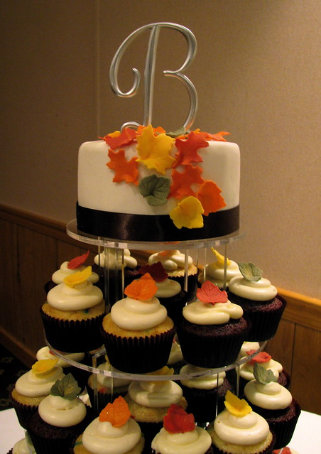 fall wedding cakes with cupcakes 4023665066 935736c3f8 z jpg zz 1 14171
