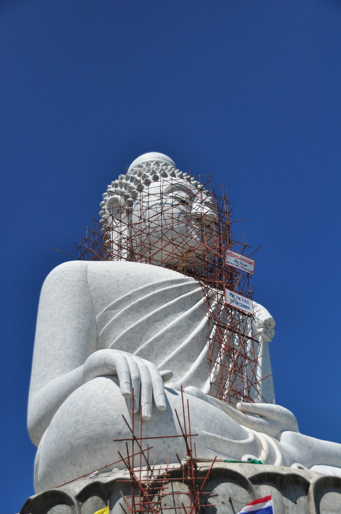 Construction of Big Buddha statue