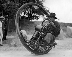 Eénwielige motorfiets / One wheel motor cycle