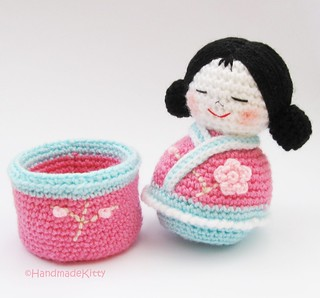 Japanese kokeshi girls jewelry box Amigurumi Crochet Pattern ♥