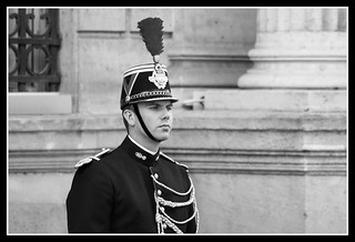 Image of Palais de l'Élysée. bw man paris france men soldier frankreich uniform president guard palace palais mann frankrijk warden rue párizs francia république vue palast sarkozy garde francie picnik parijs soldat homme parís palacio uniforme parigi soldaat sentry républiquefrançaise gendarmerie soldato paryż pałac française faubourgsainthonoré paříž francja warta prezydent pariisi mężczyzna pariz républicaine straż palác париж uniforma garderépublicaine mundur présidentdelarépublique ruedufaubourgsainthonoré żołnierz франция gwardia gwardzista strażnik voják palaisdelélysée élyséepalace palaciodelelíseo wartownik żandarm guardiarepublicanadefrancia gwardiarepublikańska pałacelizejski elysejskýpalác élyséepalast