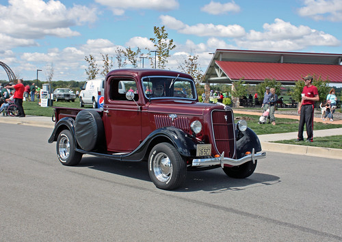 1935 Ford Half-Ton Pickup (1 of 5)