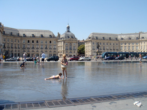 Flickriver bordeaux water mirror miroir d 39 eau des quais pool for Miroir d eau bordeaux