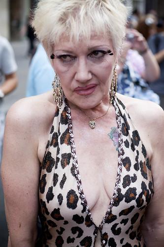 Lesbian & Gay Pride (099) ? 26Jun10, Paris (France) Tattoo girls