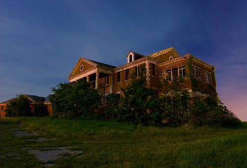 abandoned home night circle ruins texas sherman woodmens