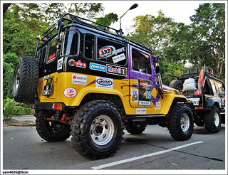 4x4 Borneo Safari 2009 Flag Off - Toyota Landcruiser BJ40