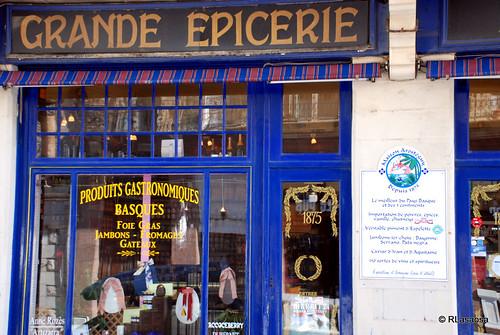 Biarritz, tienda de alimentación by Rufino Lasaosa