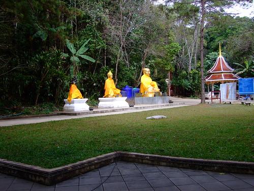 thailand temple 2009 doitung 10millionphotos october2009 tbgplaygroundforpsychotics