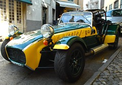race car(1.0), automobile(1.0), lotus seven(1.0), vehicle(1.0), caterham 7 csr(1.0), caterham 7(1.0), antique car(1.0), vintage car(1.0), land vehicle(1.0), sports car(1.0),