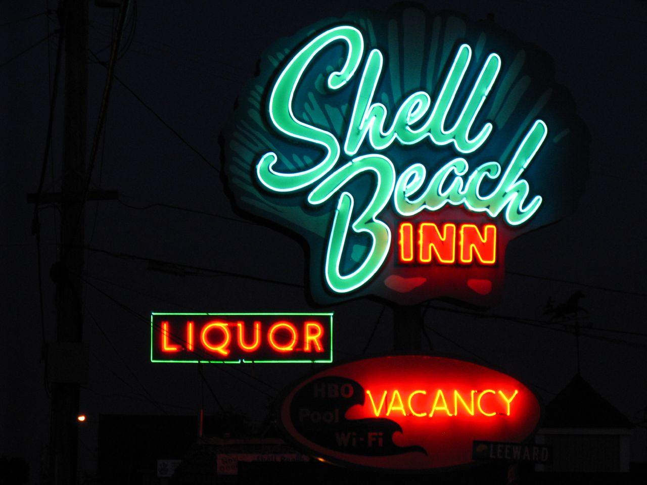 Shell Beach Inn - 653 Shell Beach Road, Pismo Beach, CA - December 1, 2009