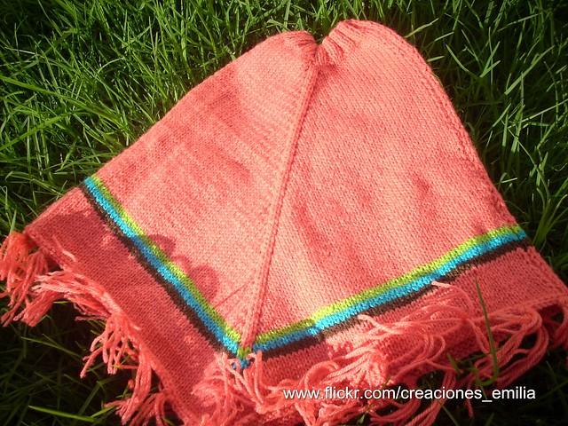 Ponchos tejidos a palillos para bebés - Imagui
