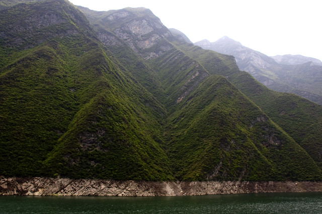 v shaped valley - photo #11
