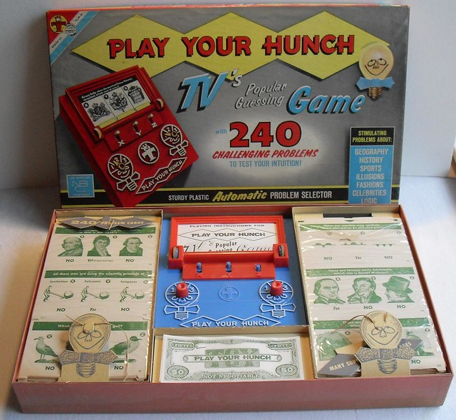 PLAY YOUR HUNCH Vintage 1950s Board Game