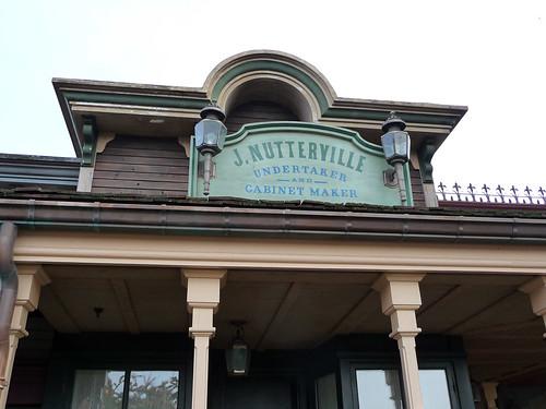 Frontierland facade
