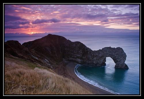 sunrise dawn coast dorset durdledoor viewonblack canon450d onacliffedge bestshotsonly
