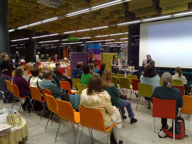 Un meeting en la biblioteca de Espoo