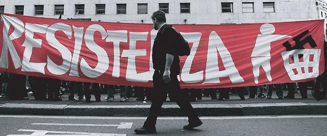 Da Napoli a Belgrado, reprimono il dissenso con la legge e con le spranghe... fuori fascisti e padroni dalle università!