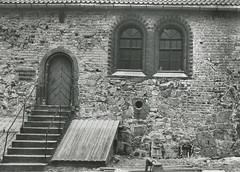 Inngangspartiet til Domkirkens Skulptursamling ved Erkebispegården (1966)