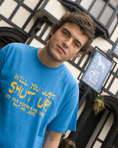 Hollyoaks Star Says Shut Up!